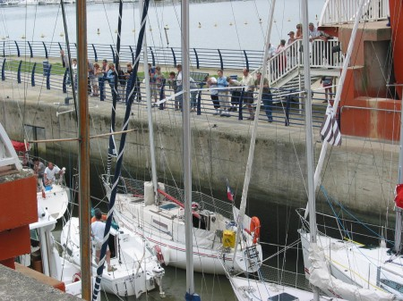 L'éclusage des bateaux au Barrage d'Arzal